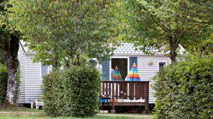 Mobil home et cottage en location camping jura clairvaux